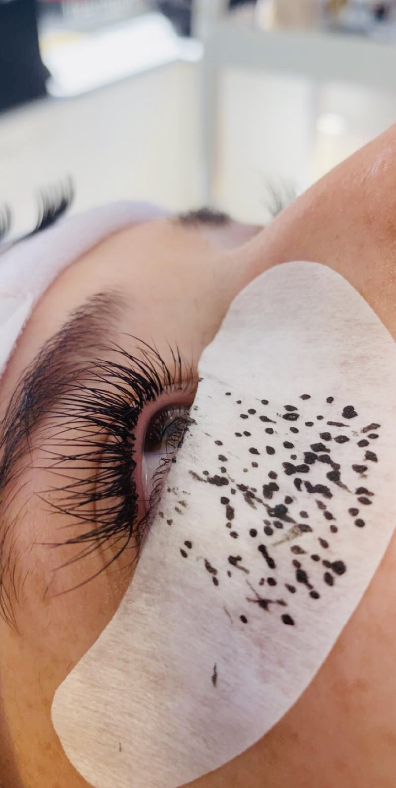 Classic individual lashes in the process