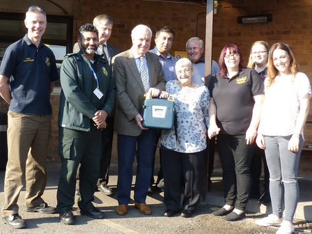 Defibrillator Donated by Atherstone Freemasons