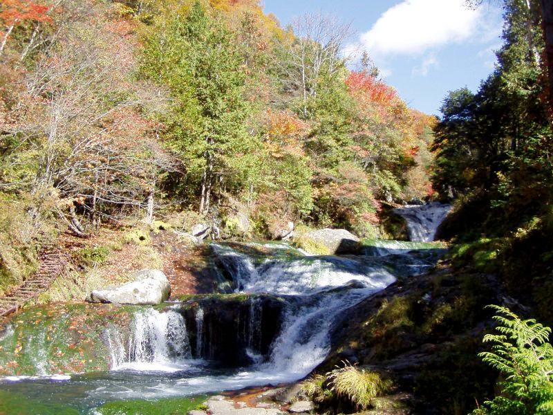 秋おしどり隠しの滝