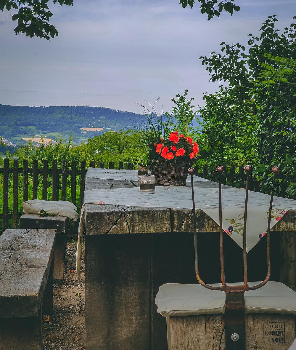 Terrasse mit schönem Ausblick beim Landgasthof Keller