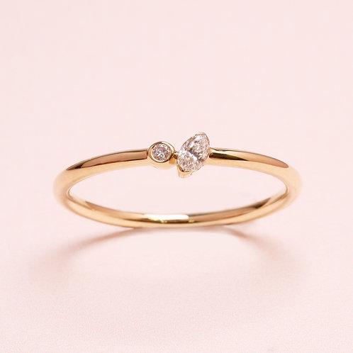 9k Delicate Marquise Diamond Ring