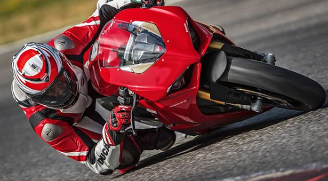 V4 Panigale!!! THE BEAST!!!#panigale#duc