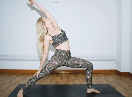 Kelly Brooks on Yoga + Snow Sports