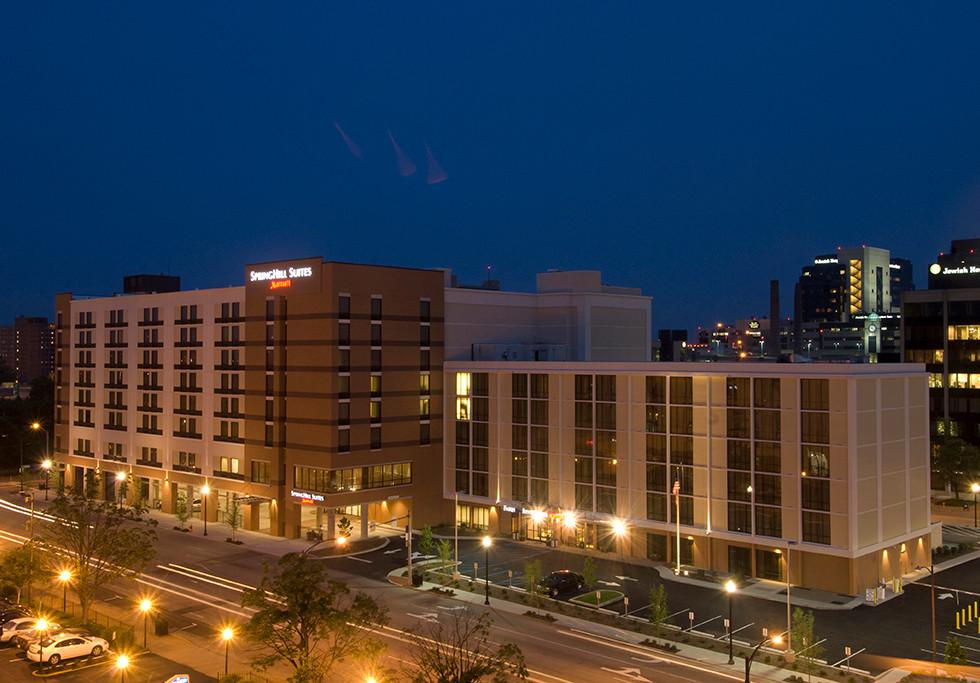 Louisville, KY Springhill Suites / Fairfield Inn Nighttime