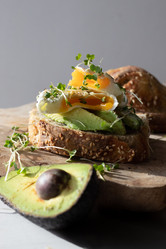 Poached egg sandwich with fresh avocado | food photography