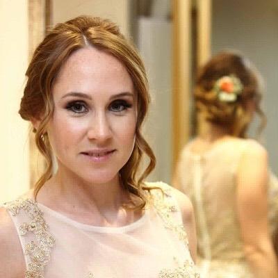 A L. foi uma noiva descontraída, muito simpática e bonita