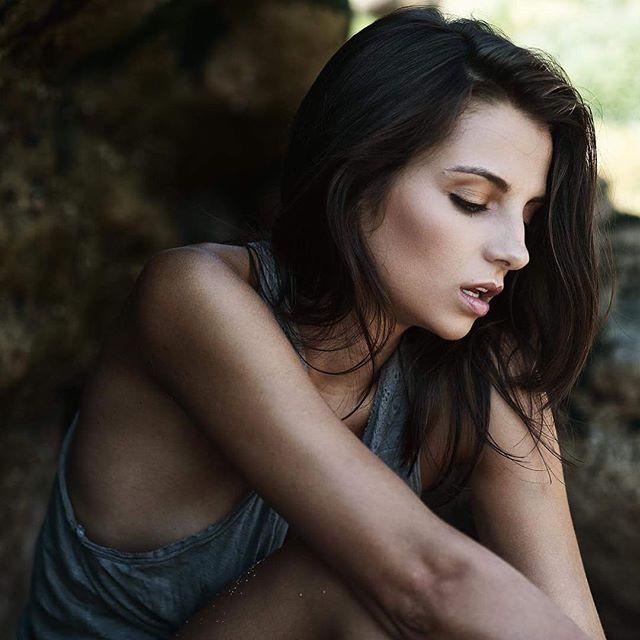 The beautiful _marinasanto 📸 by_ _azevphoto _#vanessakuzermakeup #makeupbyme #skincare _biodermapor