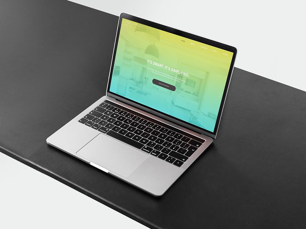 Laptop-Mockup.png