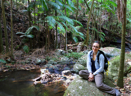 Funded! Thais is awarded the ESA Student Research Grant!