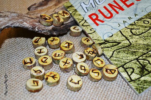 Petites runes en bois de mûrier