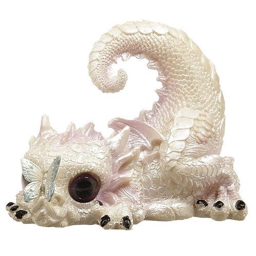 Dragon blanc avec papillon