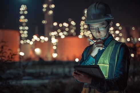 Engineer Petrochemical Asian man work la