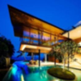luxus-villa-mit-ausgefallener-form.jpg