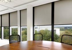 room-darkening-blinds-for-office-960x667