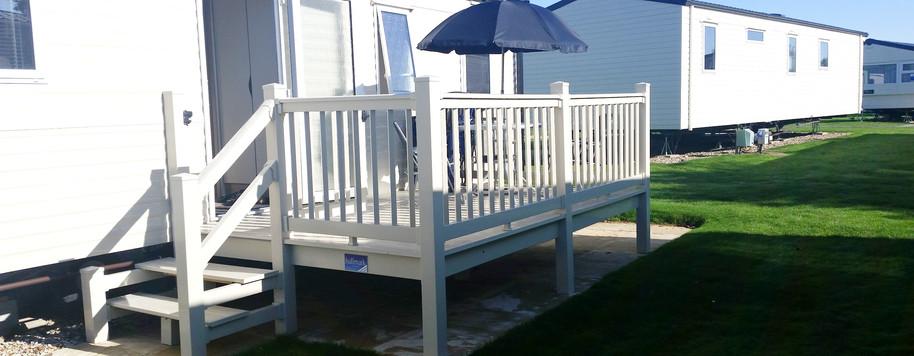 Side gated veranda