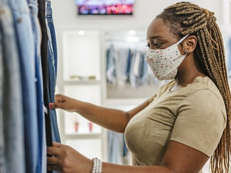 Moody's sees 2021 apparel comeback, but risks remain high