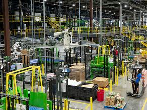 Walmart Banks on Bots for 25 Distribution Centers