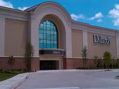 Dillard's swings to profit in Q2 as women buy clothing and shoes