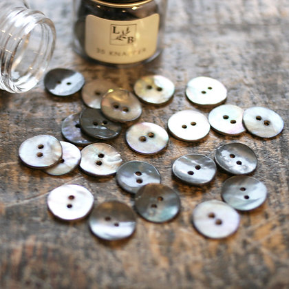 Perlemorknapper mørk natur 15mm (30 stk)