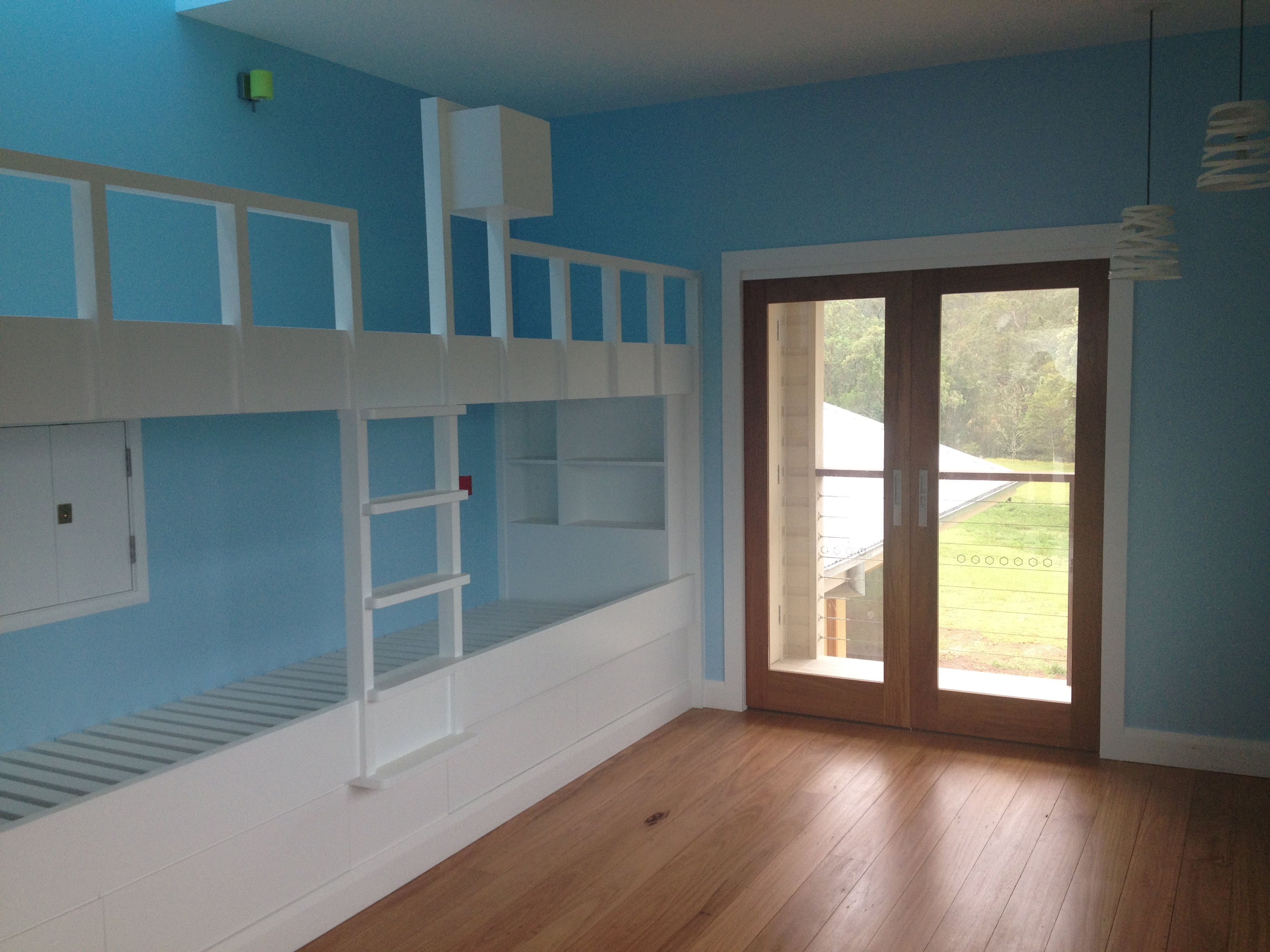 Quality Timber Inbuilt Bunk Beds