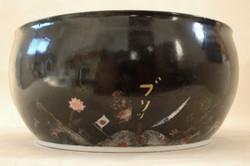 色絵大鉢「ケツの穴」側面