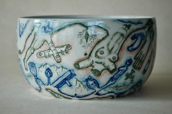 戦争と平和の鉢