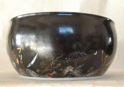 また色絵大鉢「ケツの穴」側面