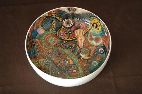 色絵銅鑼鉢