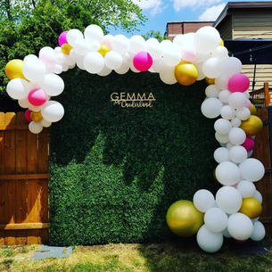 First Birthday Decorations_Hedge Wall Photo Backdrop with Balloons and customized Laser Cu