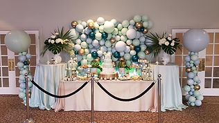 yellow shoes balloons decoration 4.jpg