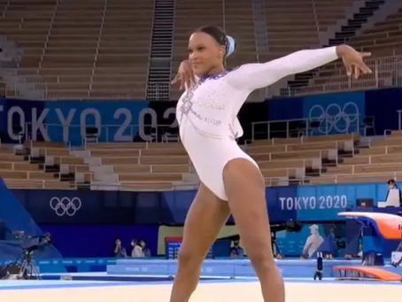"""Ao som de """"Baile de Favela"""", ginasta Rebeca Andrade dá show no solo nas Olimpíadas. Veja!"""