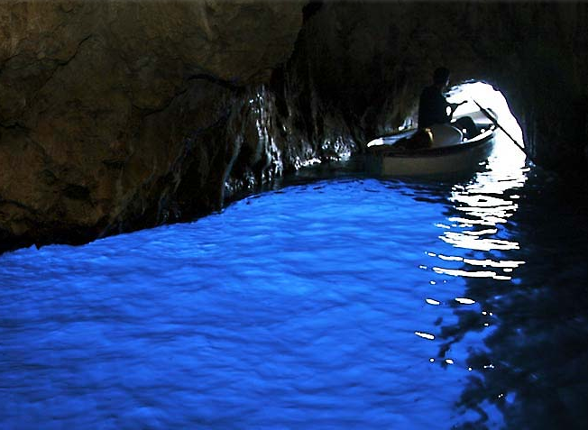 Blue Grotto, Capri - Amalfi Kayak
