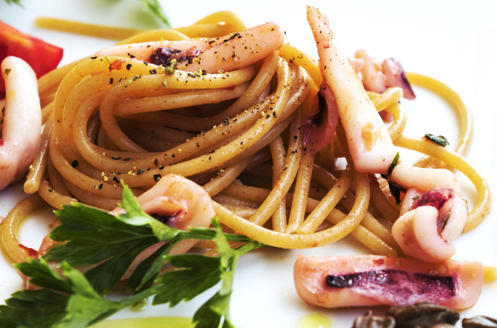 Spaghetti with local squid