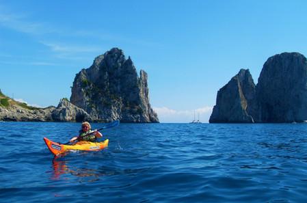 Faraglioni, Capri - Amalfi Kayak