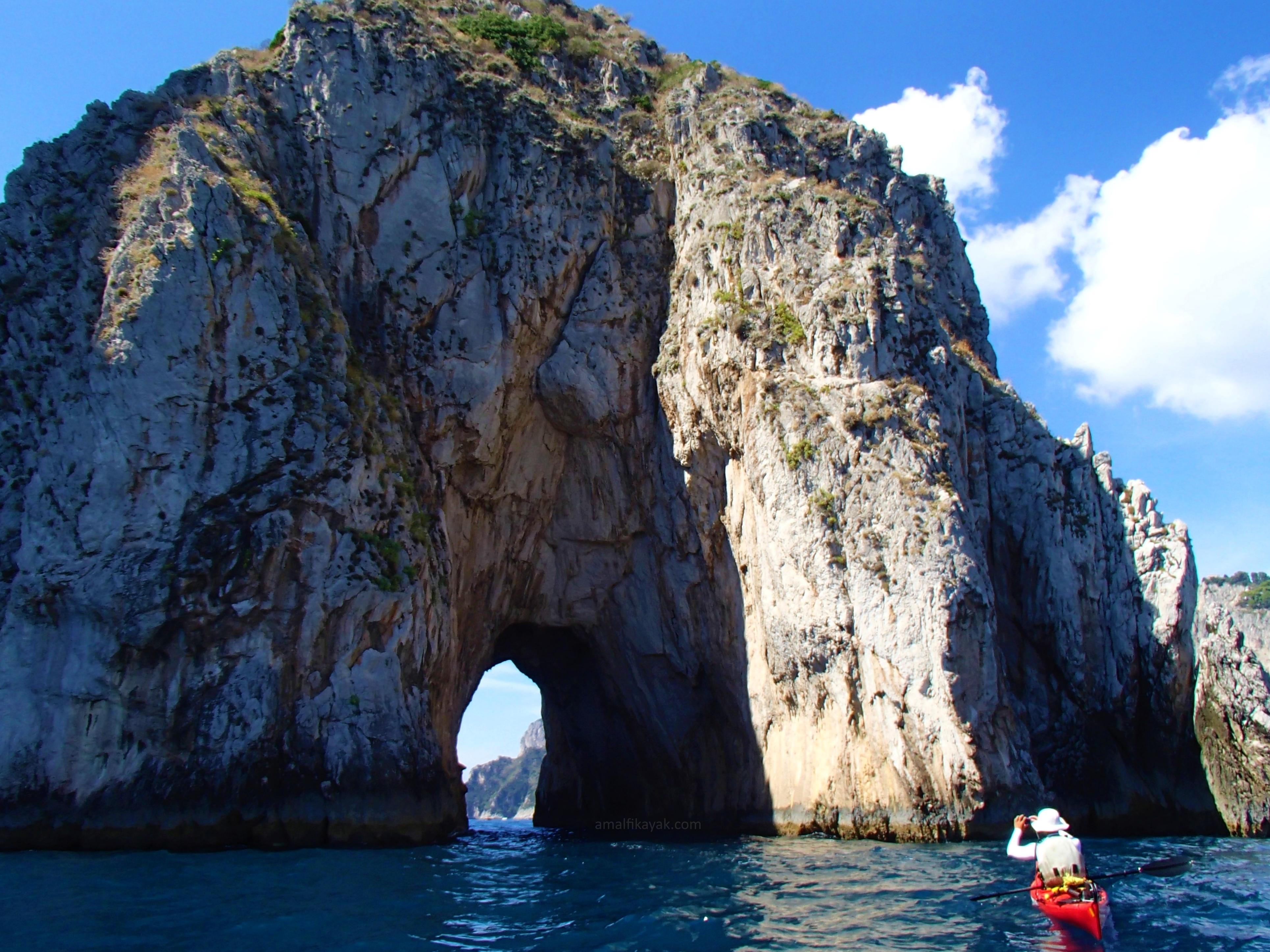 Tunnel in Faraglioni Rocks, Capri