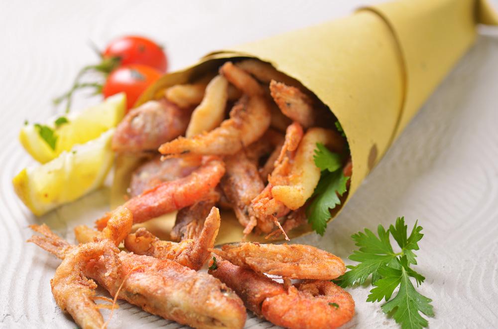 Cuoppo fritto (frittura di pesce locale)