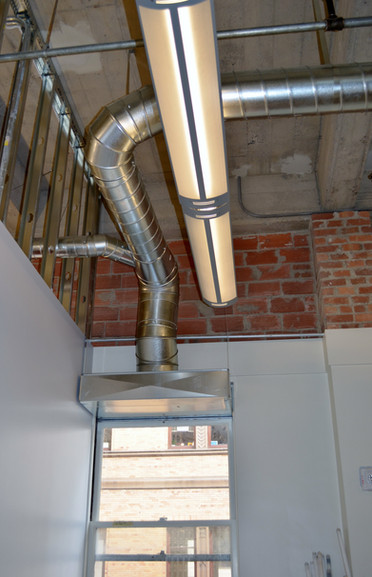 Ceiling and window duct