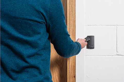 Access-Control-P50-on-wall-with-token-.j