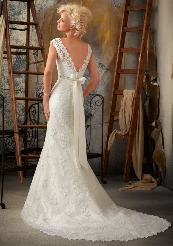 1901 Mori Lee at Aurora Bride
