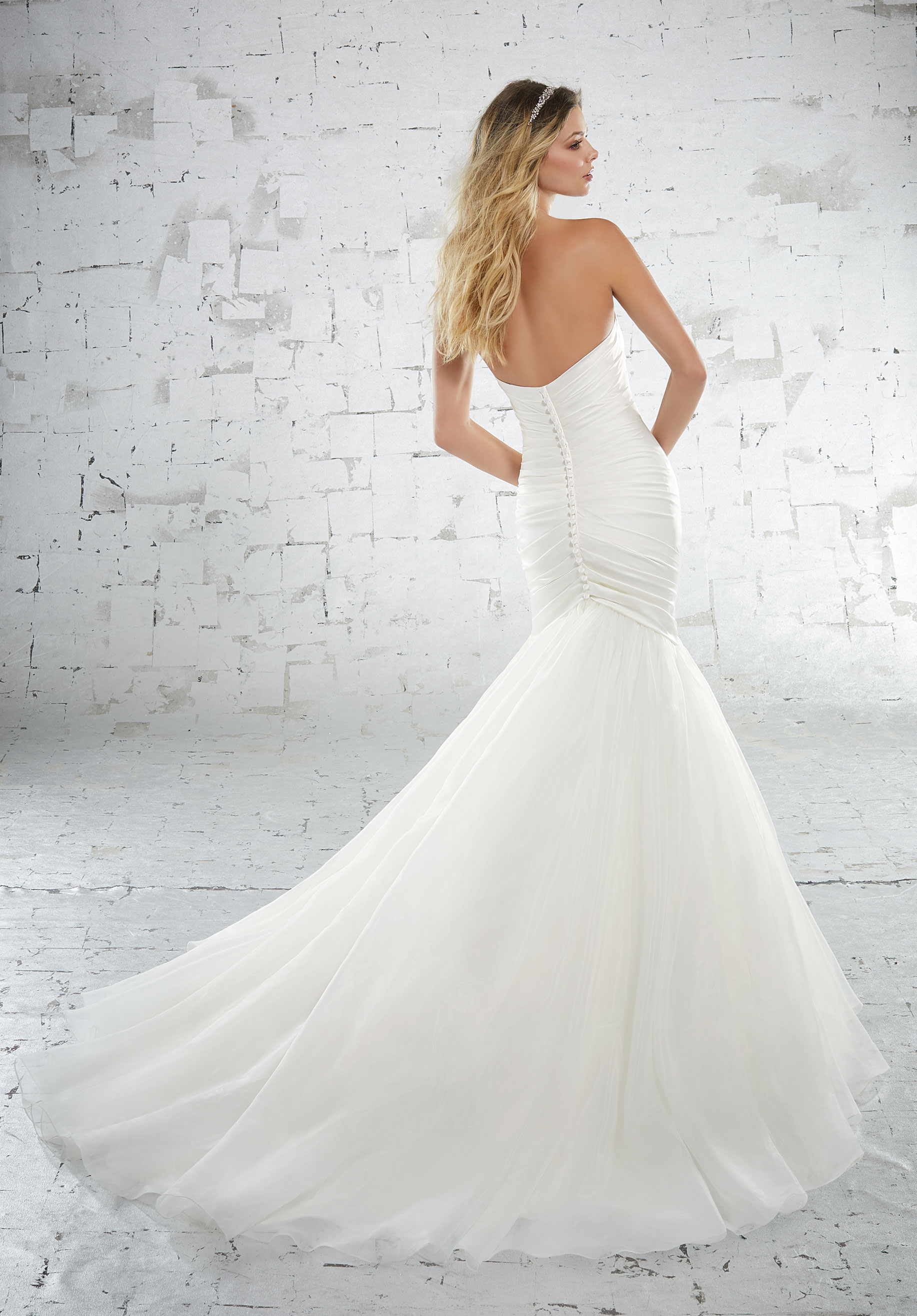 6886 Mori Lee at Aurora Bride