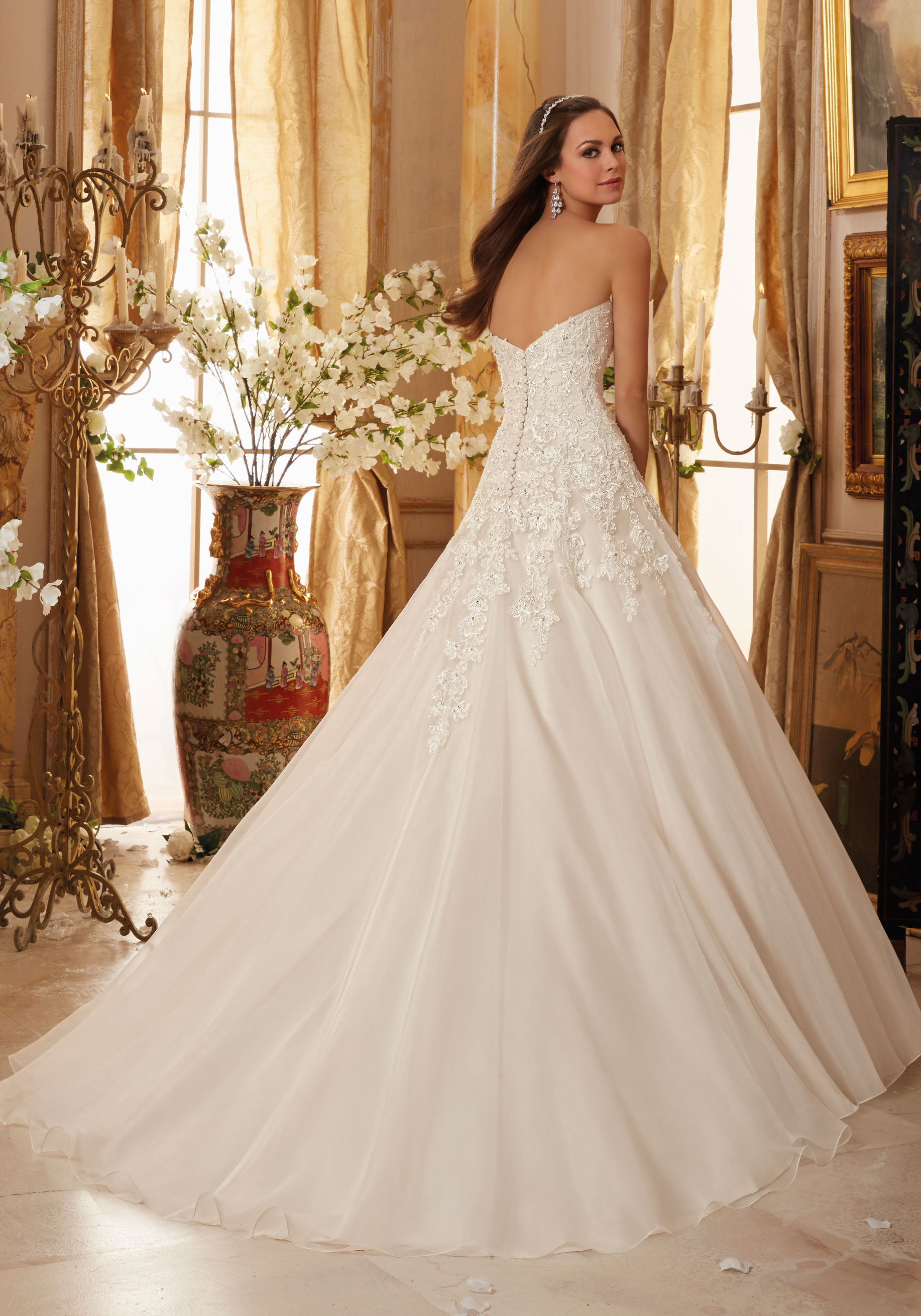 5470 Mori Lee at Aurora Bride