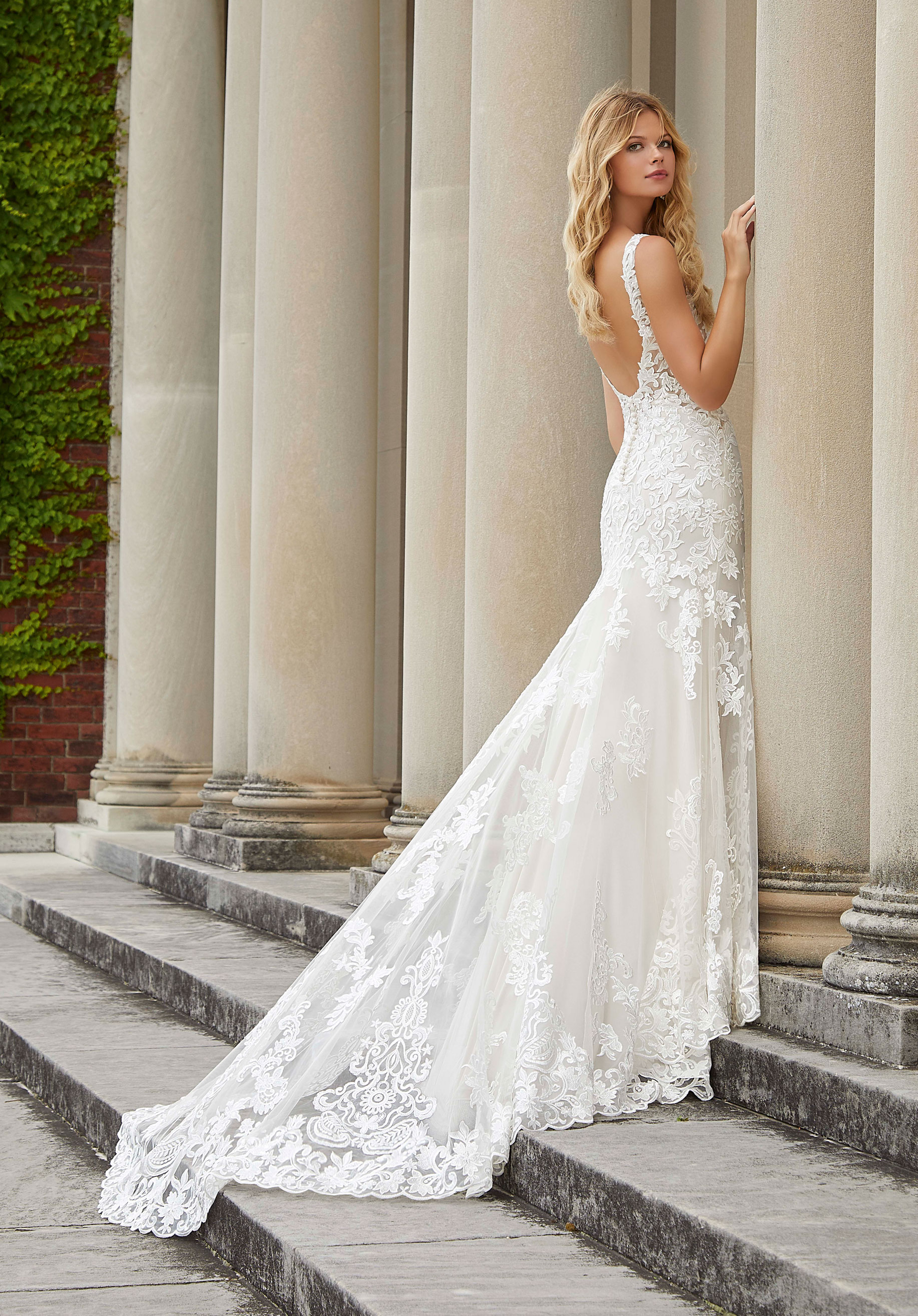 2039 Mori Lee at Aurora Bride