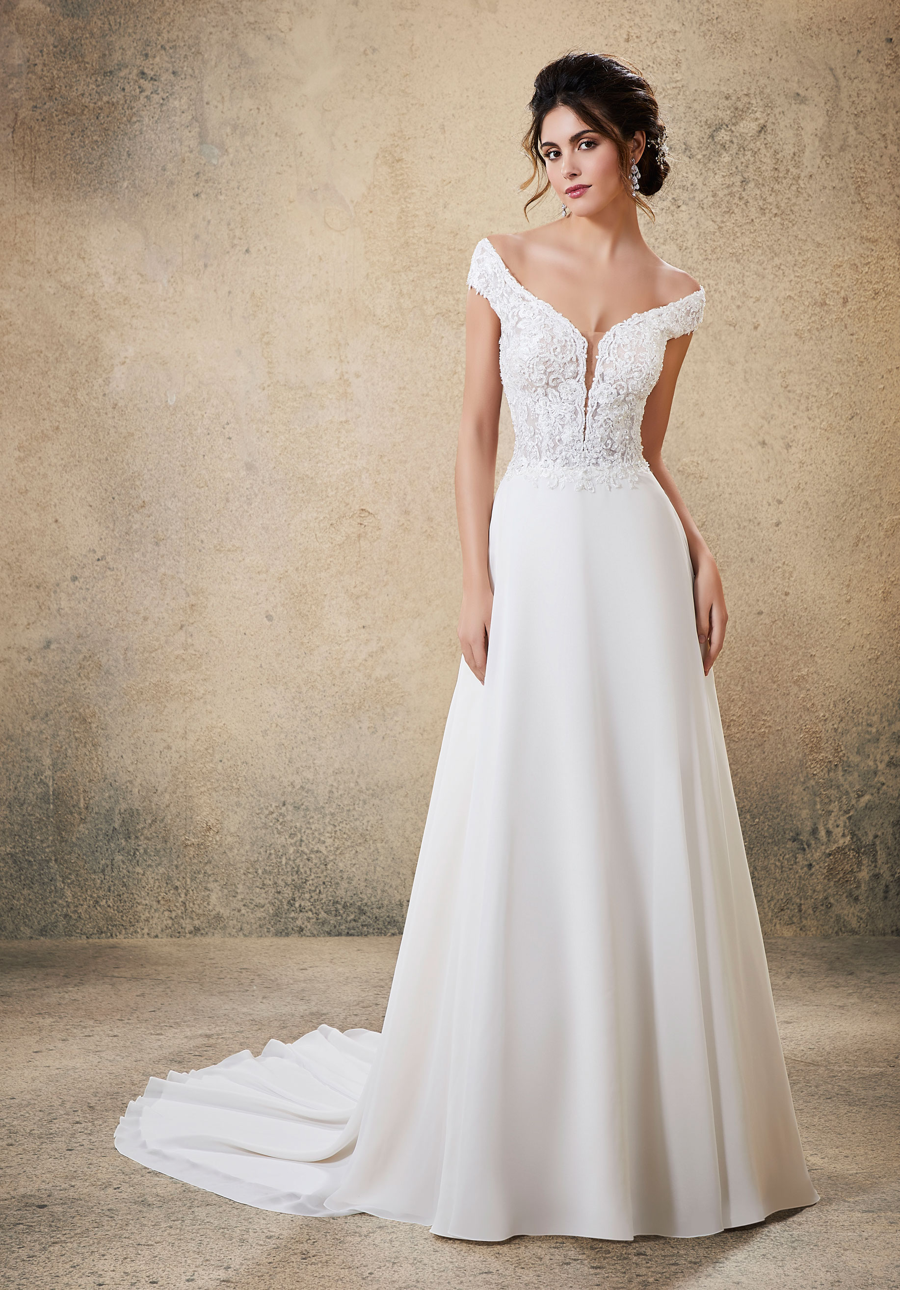 5764 Mori Lee at Aurora Bride