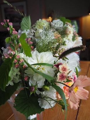 Bridesmaids bouquetsa.jpg
