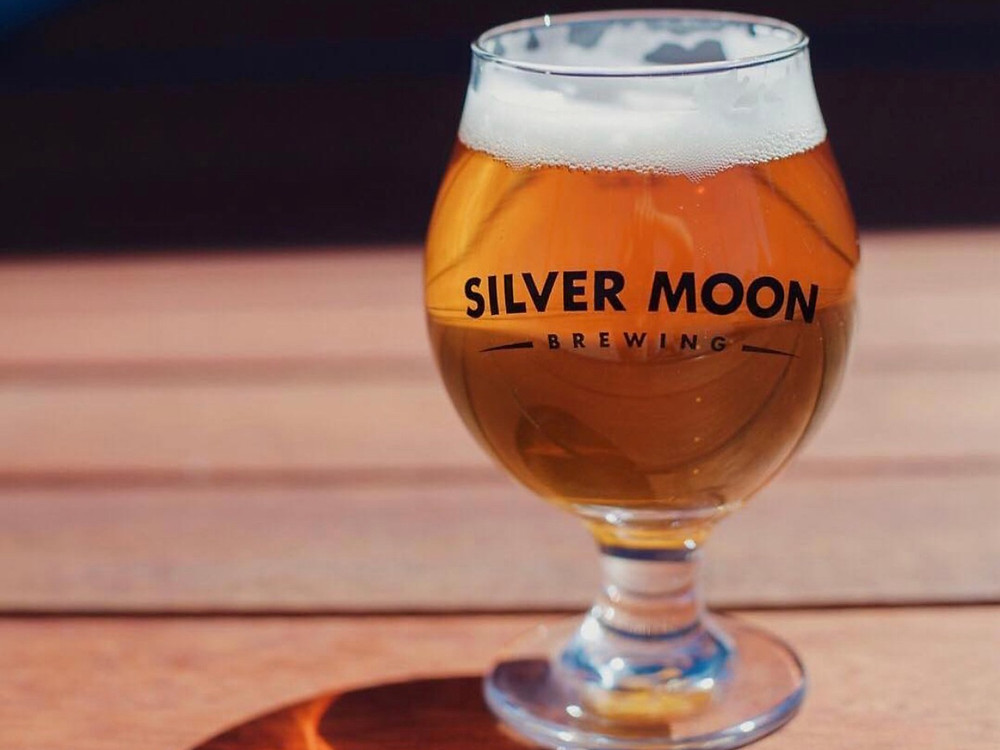 Silver Moon Brewing pint of beer on locals night in Bend, Oregon