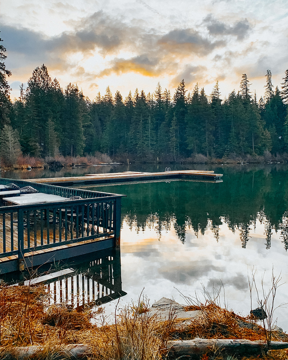Evenings overlooking Suttle Lake at The Suttle Lodge and Boathouse in Sisters, Oregon