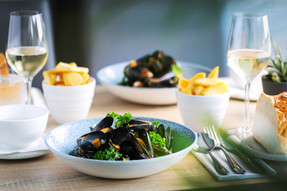 Moules Table 1.jpg