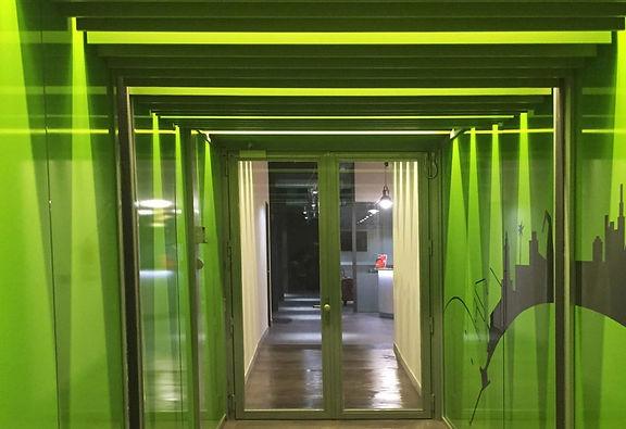 kauri diseño de interiores arquitectura interiorismo interior Málaga pasillo lamas de madera con luces tansición