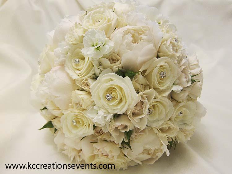 Pierre 1 white wedding bouquet.jpg