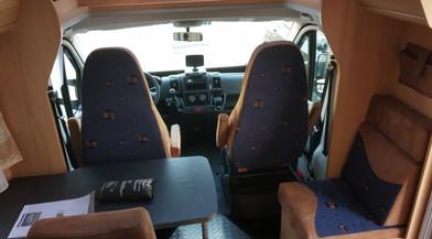 Halbdinette2 Mietwohnmobil Sunlight T69